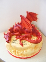 Dragon-Hobbit-cake