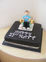 21st-bithday-weight-lifter-cake
