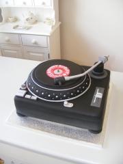 Record-Decks-Cake