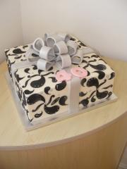 gift-box-parcel-cake