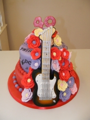 Ruby-Wedding-Music-themed-cake