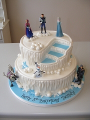 Frozen-themed-tiered-cake-1
