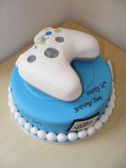Game-Control-pad-cake