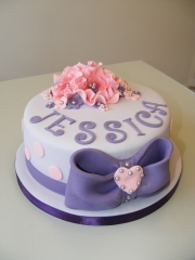 Girls-bows-and-flowers-cake