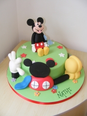 Mickey-Mouse-Clubhouse-cake