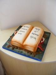 Monster-Book-of-spells-cake