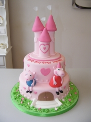Peppa-Pig-Castle-tiered-cake