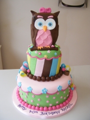 Tiered-owl-cake