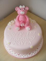 babys-pink-teddy-cake