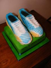 boys-football-boots-cake