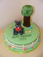 dog-in-garden-cake