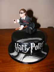 Harry Potter flying cake