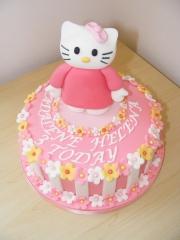 hello-kitty-childs-cake