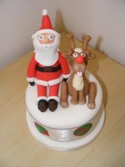 santa-and-ruddolph-christmas-cake