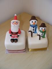snow-men-and-santa-cakes