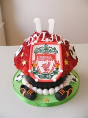 Football-Giant-Cupcake
