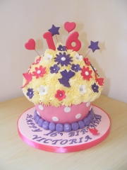 Giant-16th-Cupcake