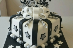 18th Gift box cake
