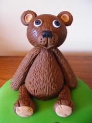 chocolate-teddy-bear-topper