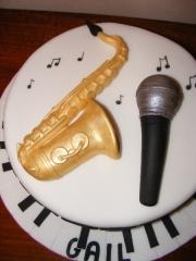 saxaphone-cake-model