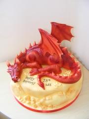 Dragon-Hobbit-cake