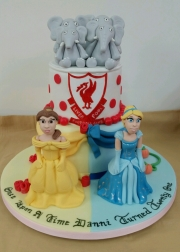 Girls Disney princess cake
