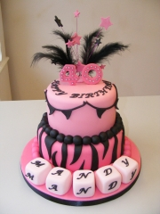 40th-Pink-and-black-tiered-cake