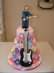 Music-themed-tiered-cake