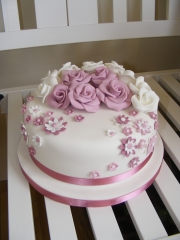Pastel-flowers-cake