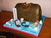 doctors-bag-cake