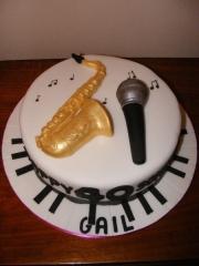 saxaphone-birhday-cake-stoke-on-trent