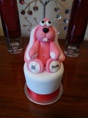 rabbit-valentine-cake