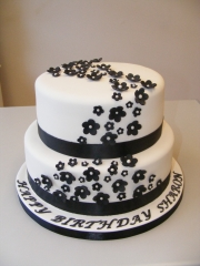 Black-and-White-tiered-cake