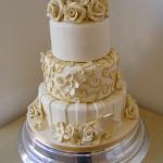 3-tier-round-wedding-cake