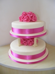 Fuchsia-Rose-Pillar-Wedding-Cake