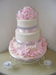 Pink-and-Ivory-Wedding-Cake