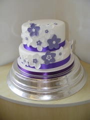 Purples-and-White-wedding