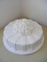 White-Wedding-cake-single-tier