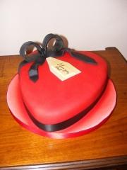 love-heart-cake