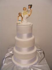 tall-white-wedding-cake